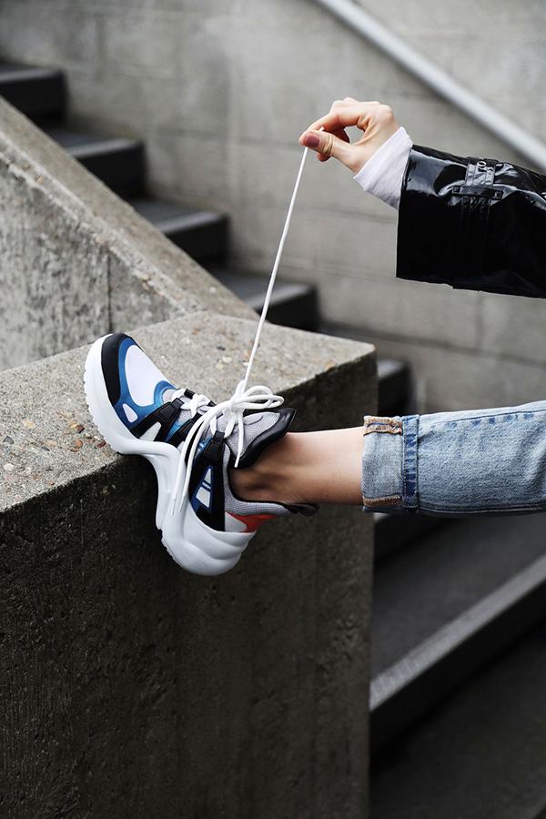 HHen Niê chọn giầy hơn 26 triệu mix đồ dạo phố - 4