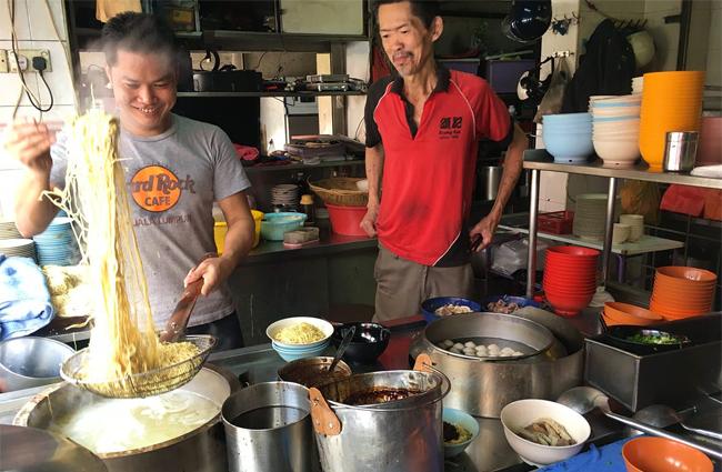 10 địa chỉ ăn ngon mà rẻ tại Kuala Lumpur - 1