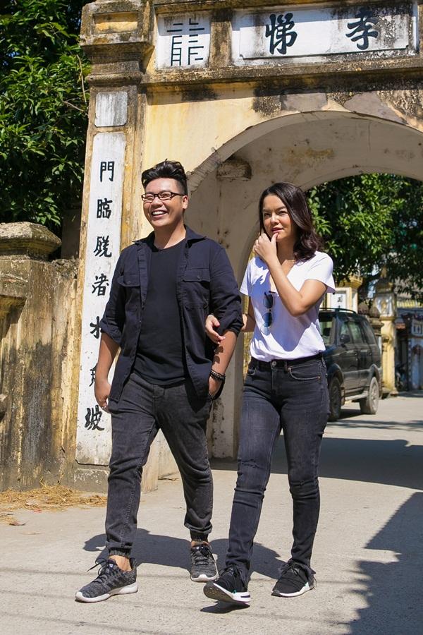 Phạm Quỳnh Anh, Hamlet Trương chở xe miến 100 kg giữa trời nắng