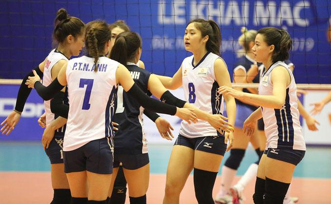 Việt Hương và các đồng đội quyết tâm tranh giải thưởng lớn của giải. Tổng giá trị giải thưởnglà 40.000 USD, trong đó đội vô địchnhận 15.000 USD. Ban tổ chức còn trao 7 giải thưởng cá nhân với tổng giá trị 2.000 USD.
