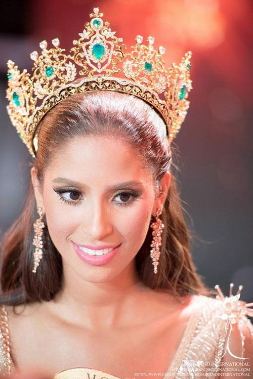 Anea Garcia - người đẹp Dominica - là hoa hậu đầu tiên của Miss Grand International 2015.