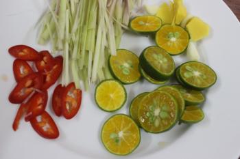 Chân gà ngâm sả ớt chua ngọt - 3