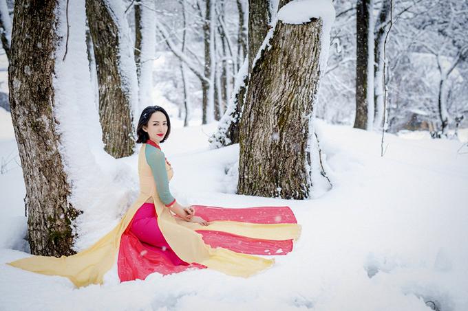Ngọc Diễm chia sẻ, mỗi khi ra nước ngoài cô thường mang theo áo dài để giới thiệu văn hóa, hình ảnh Việt Nam với bạn bè quốc tế.