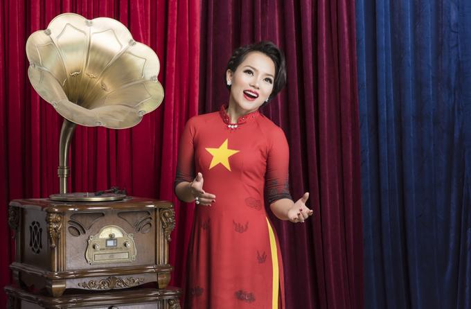 [Caption] Được biết, vào đầu tháng 03 tới, Thái Thuỳ Linh sẽ tổ chức hai minishow tại Hải Phòng (ngày 03/03/19 tại Tầng 1 Lạc Hồng palace plaza) và Hà Nội (ngày 05/03/19 tại Trixie Cafe & Lounge Thái Hà) với những ca khúc trong album