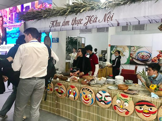 Hội nghị thượng đỉnh Mỹ - Triều là cơ hội để nhiều món ăn Hà Nội nói riêng và Việt Nam nói chung được nhiều phóng viên quốc tế biết tới. Ngoài ẩm thực, các nhà báo còn được tham quan, du lịch miễn phí các danh thắng trong thời gian công tác ở Việt Nam.