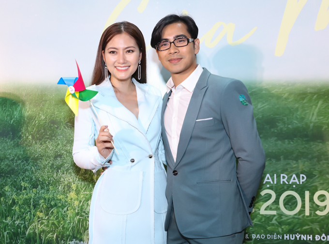 Cặp đôi Ngọc Lan - Thanh Bình hào hứng ủng hộ tác phẩm điện ảnh do đạo diễn Huỳnh Đông thực hiện.