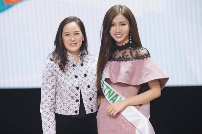 Năm 2018, ca sĩ Hương Giang Idol từng chiến thắng cuộc thi, điều này khiến Nhật Hà cảm thấy nhiều áp lực. Chung kết Hoa hâu Chuyển giới Quốc tế diễn ra vào tối 8/3.