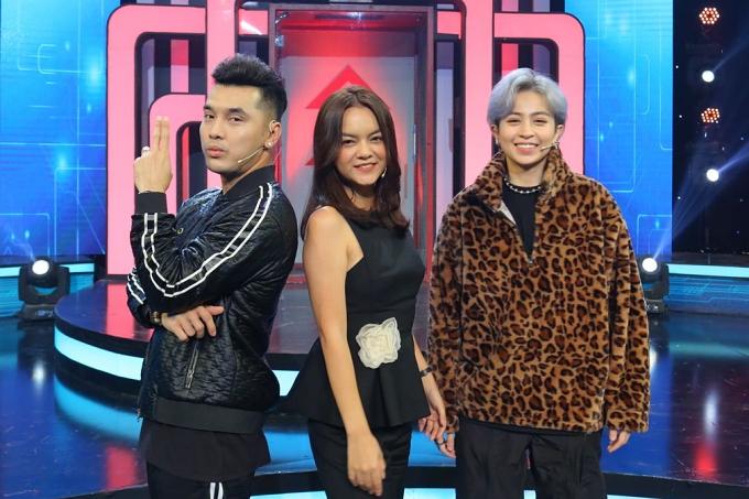 Phạm Quỳnh Anh sánh đôi Ưng Hoàng Phúc đi chơi gameshow