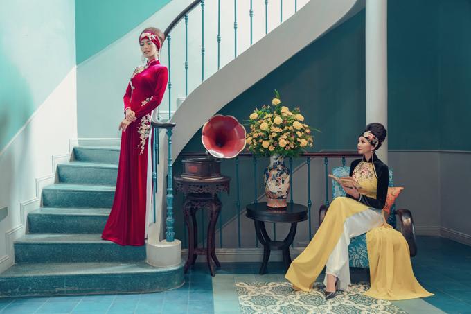 Nhung và lụa được phối hợp một cách nhuần nhuyễn để tạo nên nét đài các, quý phái cho tà áo dài Việt.