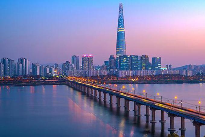 Seoul: 1594 người. Thủ đô của Hàn Quốc xếp vị trí thứ 7 trong top 10 thành phố tập trung nhiều giới siêu giàu. Đây cũng là nơi đặt trụ sở chính của tập đoàn Sam Sung, biểu tượng kinh tế của quốc gia này.
