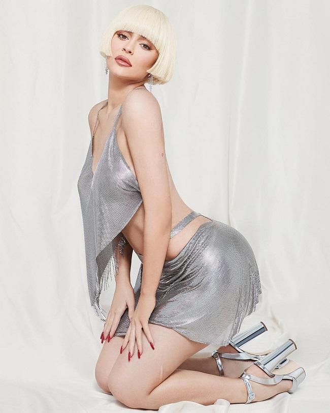 Ở tuổi 21, Kylie Jenner nắm giữ khối tài sản kếch xù và được Forbes công nhận là tỷ phủ tự thân trẻ nhất.