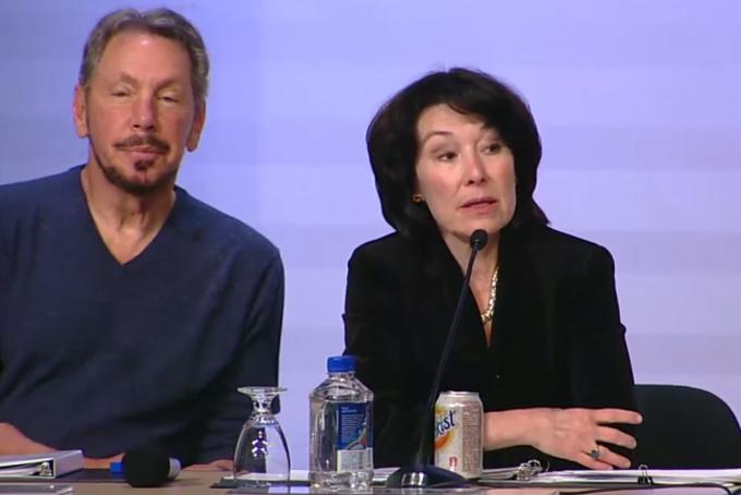 Bà Safra Catz (phải) và ông Larry Ellison, nhà sáng lập của  Oracle. Ảnh: BI.