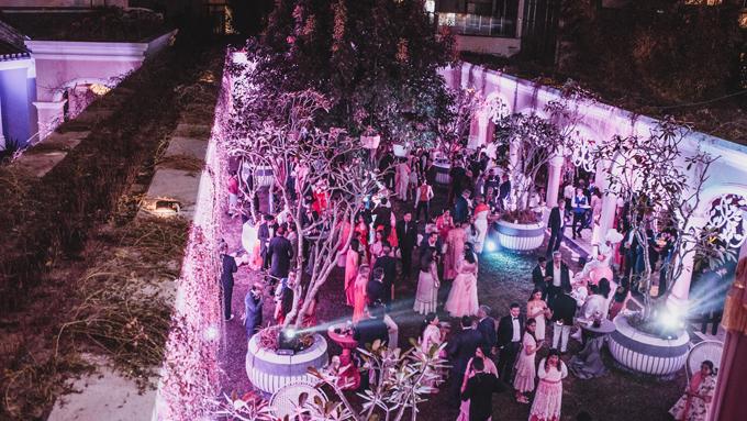 Đám cưới của uyên ương đại gia Ấn Độ quy tụ dàn khách mời lên đến 700 người và chuỗi tiệc tùng diễn ra trong suốt 3 ngày tại JW Marriott Phu Quoc Emerald Bay.