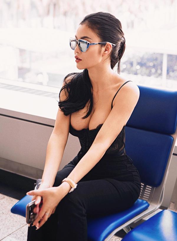 Julia Hồ sẽ hội ngộ dàn sao Việt trong sự kiện Đêm hội chân dài 12 tổ chức ở Singapore tối 9/3.