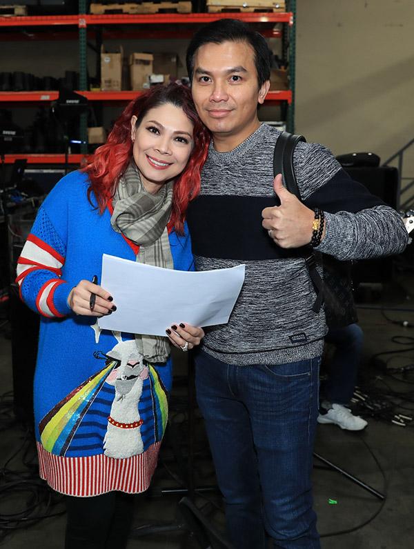 Ca sĩ Mạnh Quỳnh ủng hộ cô bạn đồng nghiệp làm show ở Mỹ.