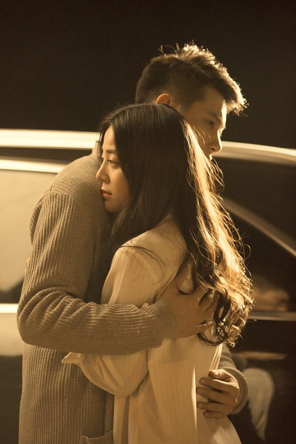 Nội dung MV kéo dài hơn 10 phút, tiếp nối câu chuyện dang dở ở cuối phần 1. Lúc này, nhân vật do Hương Giang thể hiện đau đớn phát hiện người yêu (Jack) và bạn thân (Hân) nảy sinh tình cảm, giấy giếm mối quan hệ sau lưng cô.