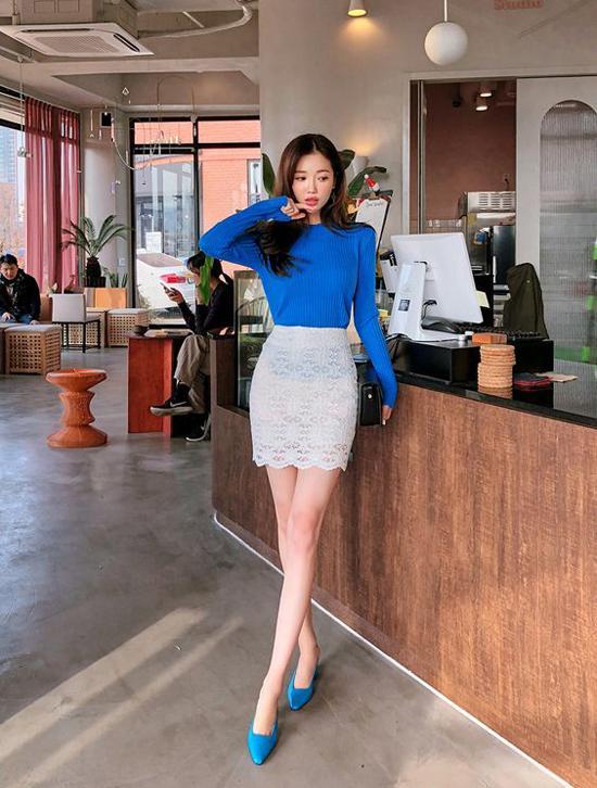 Mặc đẹp đến văn phòng cho nàng mê chân váy - 6