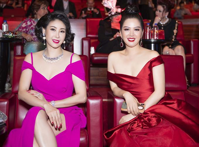 Hoa hậu Hà Kiều Anh gợi cảm trong thiết kế gam hồng.