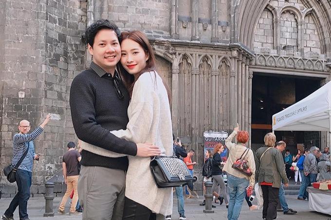 Khoảnh khắc hạnh phúc của Đặng Thu Thảo bên chồng con - 6