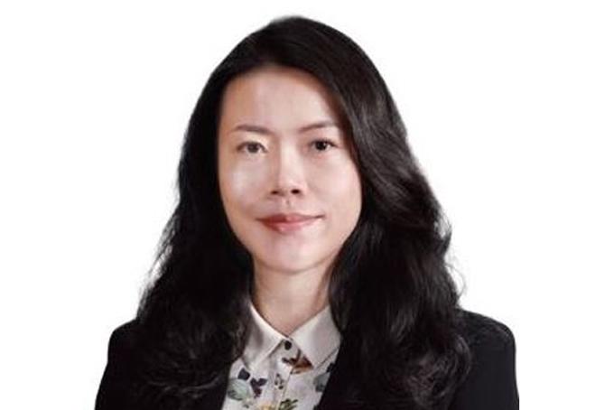 [Capti. Yang Huiyan - 22,1 tỷ USDYang là nữ tỷ phú giàu nhất châu Á và cũng là người trẻ nhất trong nhóm 10 phụ nữ giàu nhất thế giới. Tài sản của tỷ phú 37 tuổi người Trung Quốc phần lớn đến từ 57% cổ phần của tập đoàn bất động sản Country Garden được cha bà, ông Yeung Kwok Keung trao lại năm 2007. Em gái bà Yang hiện cũng là thành viên hội đồng quản trị của công ty bất động sản lớn nhất nhì Trung Quốc này. Ảnh:Forbes.