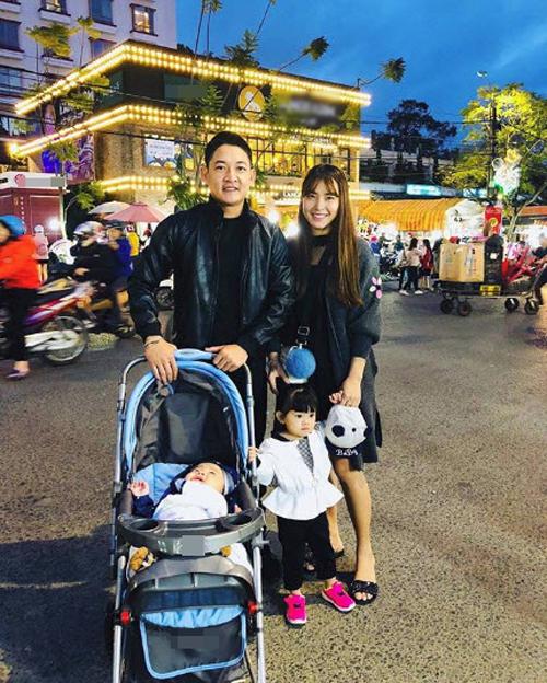 Hải Băng hạnh phúc bên ông xã Thành Đạt và hai con.