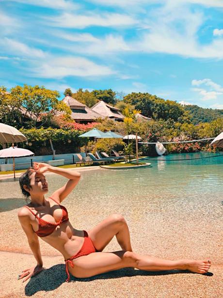 Phương Trinh Jolie khoe body nóng bỏngtrong nắng Bali.