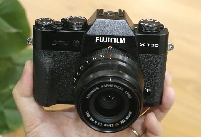 Fujifilm X-T30: Máy ảnh chụp gia đình đáng giá