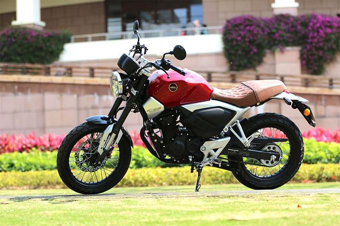 CB190R được tạo ra bởi liên doanh Honda Vũ Dương (Wuyang Honda) tại Trung Quốc, dòng xe hướng tới đối tượng khách hàng mới chơi môtô. Từ nền tảng của CB190R, Wuyang Honda cũng tạo ra nhiều biến thể khác như CB190F ít thể thao hơn hay CB190X Adventure. Mới đây nhất, mẫu xe hoài cổ CB190SS vừa được ra mắt.