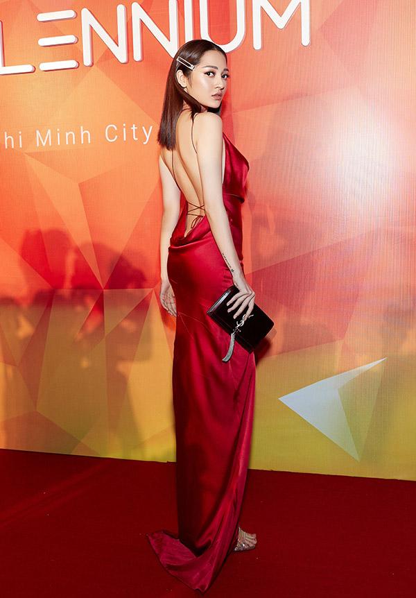 Nữ ca sĩ là khách mời kiêm ca sĩ biểu diễn trong chương trình Pops Awards 2019.