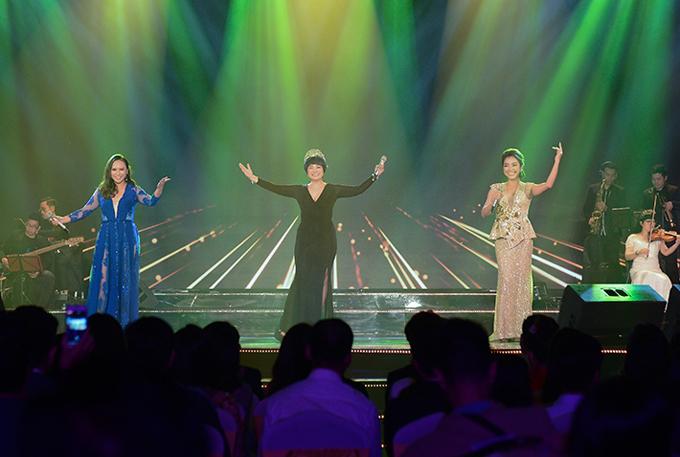 Khánh Linh, Ngọc Khuê, Phương Anh hiếm hoi kết hợp cùng nhau. Cả ba đều là thí sinh của Sao Mai 2003.
