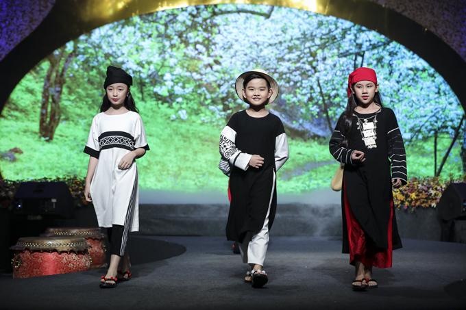 Cùng với các nghệ sĩ nổi tiếng như Kim Xuân, Trịnh Kim Chi, HHen Niê, Lệ Hằng... các người mẫu nhí của câu lạc bộ Pinkids đã mang tới phần trình diễn độc đáo cho đêm bế mạc Lễ hội áo dài TP HCM.