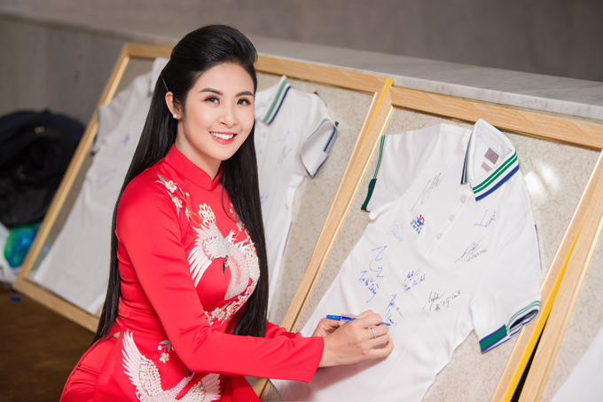 Ngọc Hân, Mỹ Linh chúc mừng HHen trở thành Gương mặt tiêu biểu năm 2018 - 8