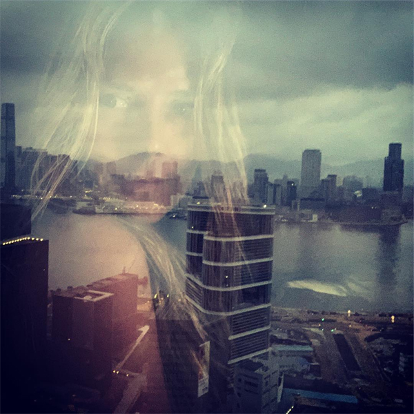 Nữ giám khảo Americas Got Talent lựa chọn một khách sạn có tầm nhìn quyến rũ, bao trọn cả một khung cảnh kỳ vĩ rộng lớn. Chào buổi sáng. Tôi yêu Hong Kong, nữ ca sĩ thổ lộ khi đăng loạt ảnh gợi cảm.