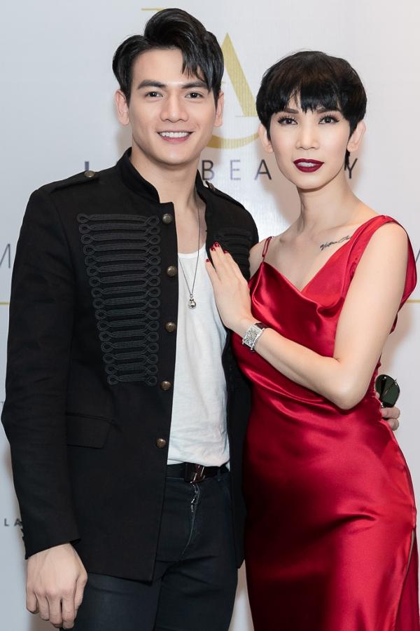 Người mẫu Lê Xuân Tiền từng làm việc với Xuân Lan qua các show diễn của nhà thiết kế Đỗ Mạnh Cường nên cả hai có mối quan hệ thân thiết.
