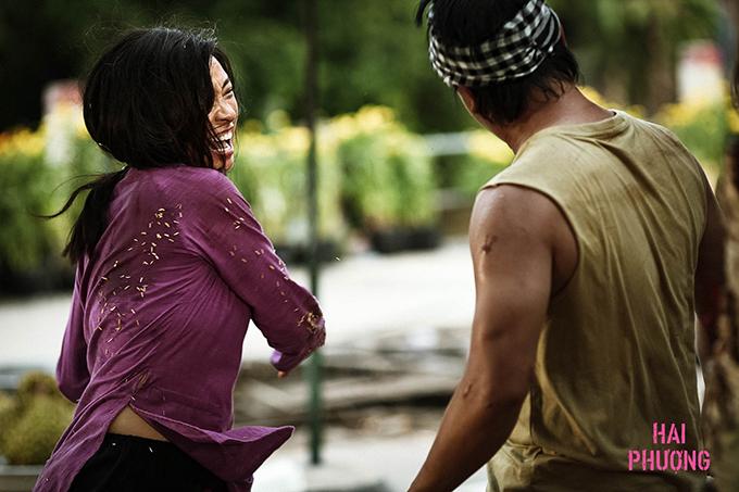 Ngô Thanh Vân thực hiện một cú đánh trong phim Hai Phượng.