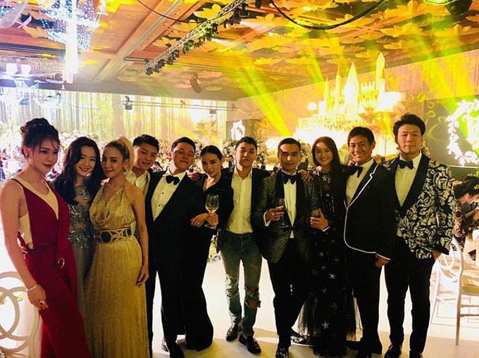 Seungri (chính giữa) đi đám cưới con trai thứ hai của gia đình tập đoàn Tân Hoàng Minh tháng 1/2018.