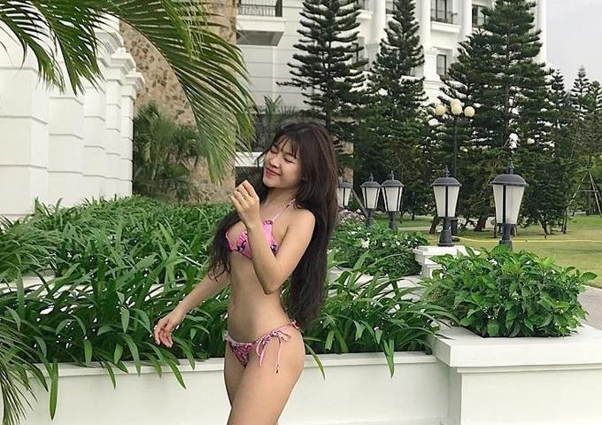 Loạt bikini đốt mắt người nhìn của bạn gái Đặng Văn Lâm - page 2 - 6