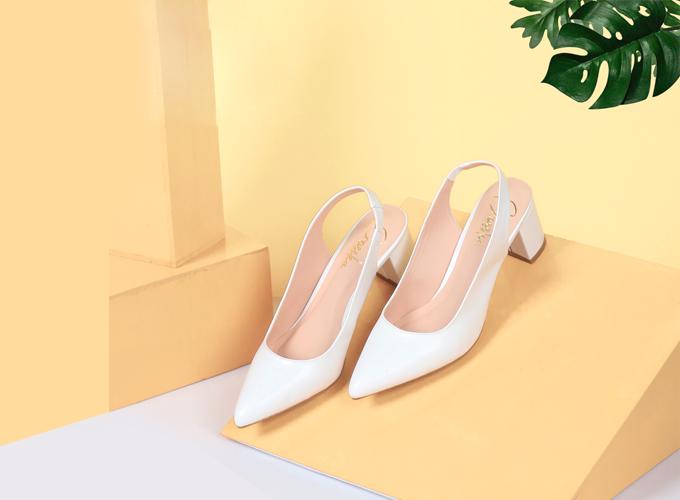 Giày cao gót thời trang nữ Erosska EH015- Màu trắng - Trắng - Trắng 219.000 đồng Da mềm  Thiết kế: Trẻ trung, nhẹ nhang  Chiều cao: 5 cm