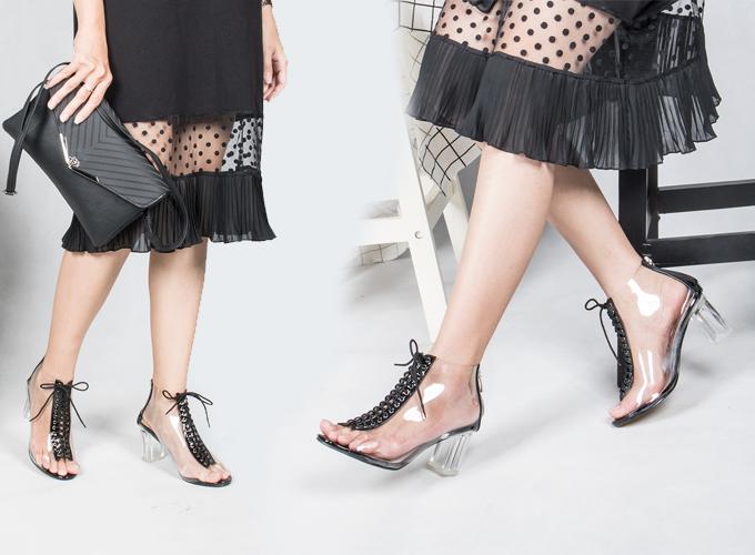 Giày cao gót thời trang nữ Erosska EH013Màu đen - Đen - Đen 198.000 350.000 Chất liệu: Da lộn, 7 cm kế trẻ trung, đường nét mềm mại, tinh tế sẽ mang đến cho bạn vẻ đẹp hoàn hảo với cảm giác nhẹ nhàng trong từng bước chân.
