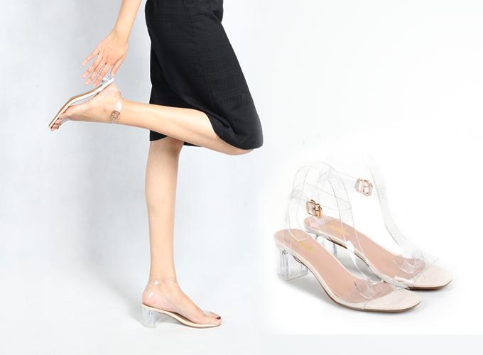 Giày sandal cao gót phối dây trong thời trang Erosska - EM010 ( màu nude) 129.000 thiết kế trẻ trung, đường nét mềm mại, tinh tế sẽ mang đến cho bạn vẻ đẹp hoàn hảo với cảm giác nhẹ nhàng trong từng bước chân. Da mềm, cao 5 cm.