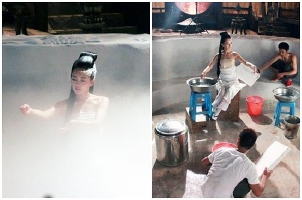 Trong phim Thiên nhai minh nguyệt đao, Trương Định Hàm có một cảnh tắm huyền ảo và gợi cảm. Thực ra, cảnh này được quay giả nhờ hiệu ứng khói nhân tạo, nữ diễn viên ngồi trên một bục gỗ, chỉ sử dụng một chậu nước nhỏ