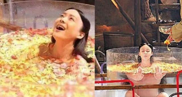 Trong Cung tỏa liên thành, Viên San San có cảnh luyện công trong bể kính trong suốt. Hình ảnh của nữ diễn viên khá gợi cảm nhưng thực ra, cô mặc áo bảo hộ màu nude. Chưa kể. mặt nước thả đầy cánh hoa màu hồng và màu vàng bị cư dân mạng chế giễu giống... nồi canh gà.