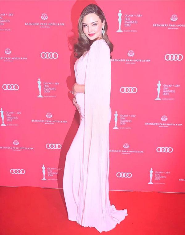 Miranda Kerr tại sự kiện Gruner + Jahr Spa Awards 2019 ngày 30/3.