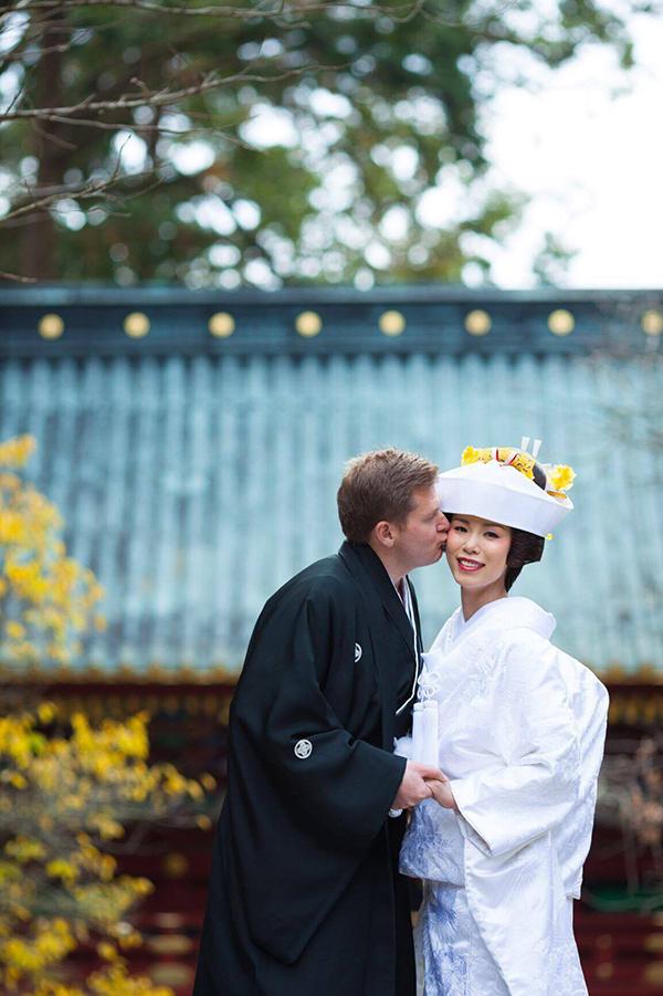 Ngoài bữa tiệc nhỏở Mỹ, Riyo Mori và ông xã còn tổ chức đám cưới theo phong tục truyền thống Nhật Bản tại quê hương cô.