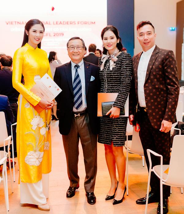 Ngọc Hân cho biết, ở ngoài đời vị triệu phú gốc Việt rất gần gũi. Bản thân cô rất ngưỡng mộ những thành công của ông.