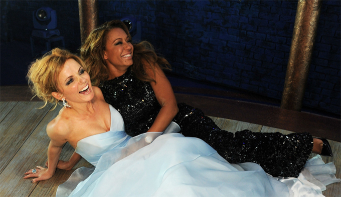 Geri (tóc vàng) và Mel B từng thân nhau nhất trong nhóm Spice Girls.