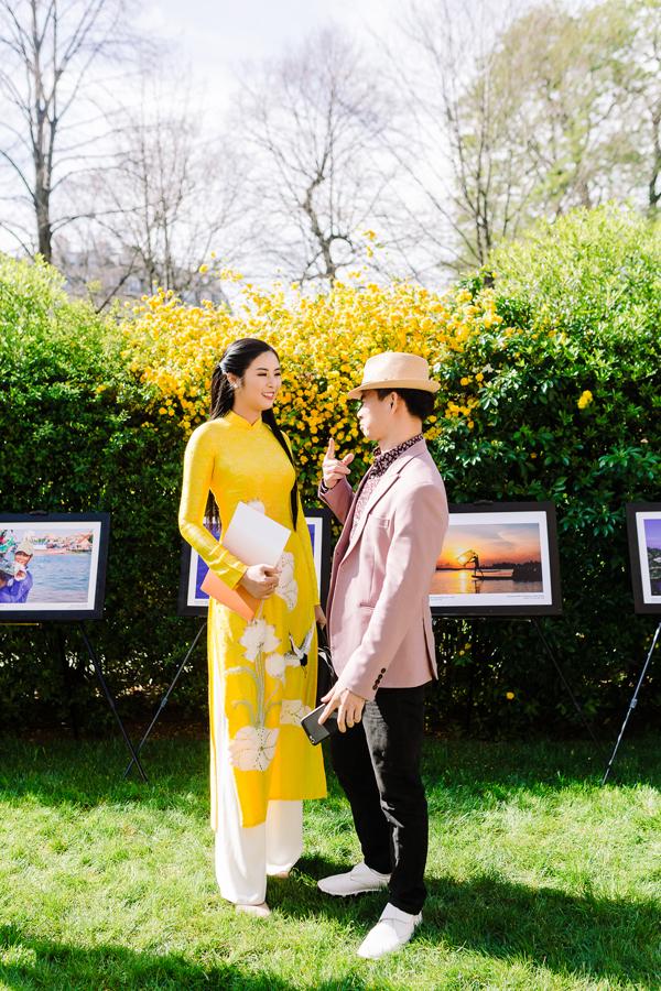 Nghệ sĩ Xuân Bắc bày tỏ niềm vui khi tái ngộ Ngọc Hân. Cả hai từng làm việc với nhau trong nhiều chương trình tại Hà Nội nên có mối quan hệ rất thân thiết.