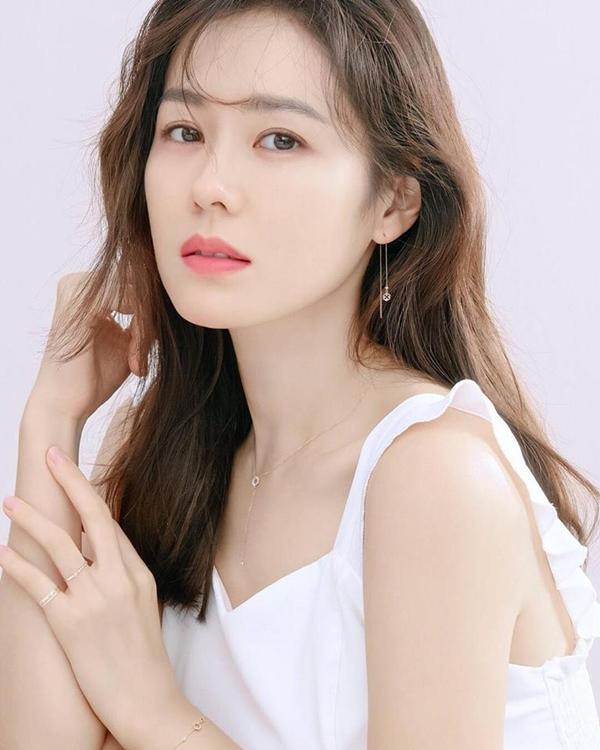 Thiếu nữ Hàn đổ xô đi tạo hình môi chữ M giống chị đẹp Son Ye Jin