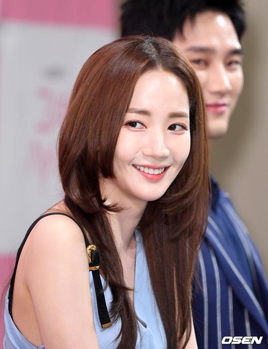 Nhan sắc nổi bật của ngôi sao Hàn.