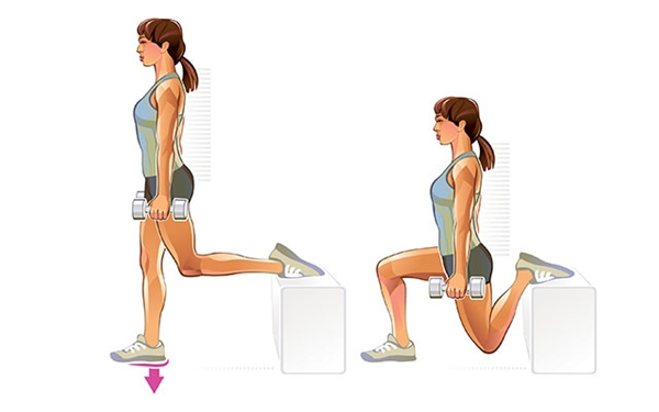 Động tác squats gác chân với tạ Gác một chân lên bục, hai tay cầm tạ nhỏ, thực hiện động tác squats 10 lần rồi đổi bên.